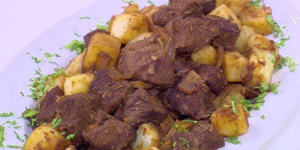 البطاطس مع كباب الحلة