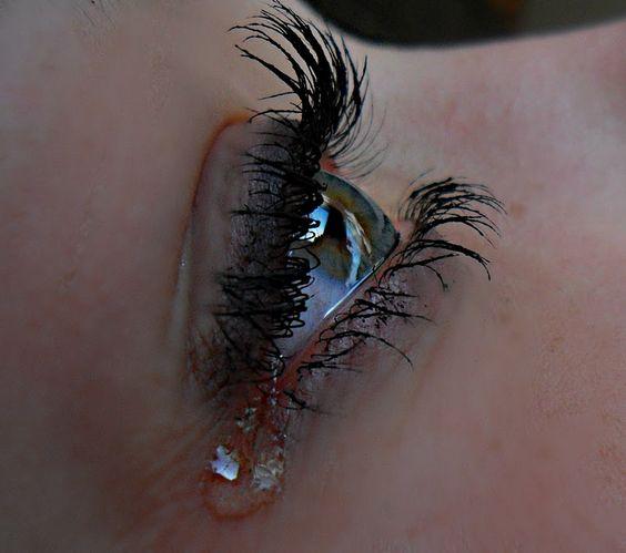 صور حزينة دموع بنات صور حزينة للفيس بوك مكتوب عليها كبرياء و جراح