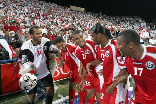 صور منتخب عمان 15 صور منتخب عمان خلفيات المنتخب العماني