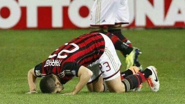 صور ميلان 3 صور ميلان الايطالي الفريق القوي ومعلومات عن النادي