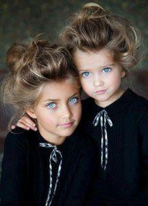 صور اطفال تواءم 216x300 صور اطفال كيوت جميلة جدا تسر القلب