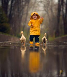 صور اطفال خلفيات 260x300 صور اطفال كيوت جميلة جدا تسر القلب