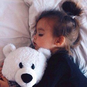 صور اطفال نايمة 300x300 صور اطفال كيوت جميلة جدا تسر القلب