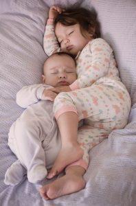 صور اطفال نوم 198x300 صور اطفال كيوت جميلة جدا تسر القلب