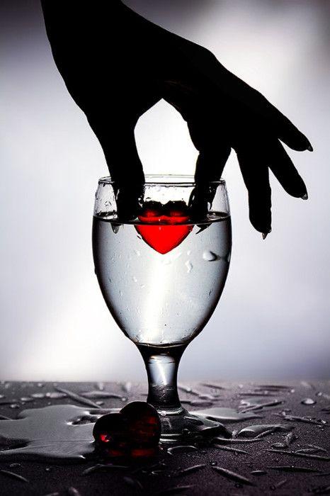 قلب حزين صور قلوب رومانسية للفيسبوك و للتصميم غاية الروعة